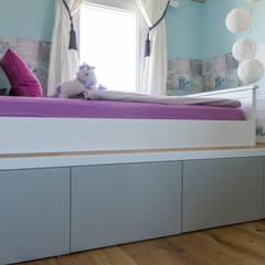 Kamar tidur anak perempuan by Pomp & Friends - Interior Designer