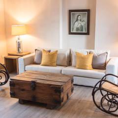 Bedroom by Maria Teresa Espinosa