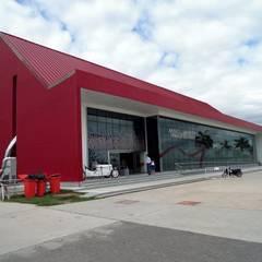 Museo del Automovilismo Museos de estilo moderno de Sevita +studio Moderno