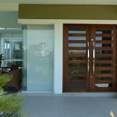 Входные двери в . Автор – Maciel e Maira Arquitetos