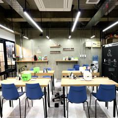 インテリア: designista-s (デザイニスタ エス)が手掛けたオフィスビルです。