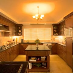 The House of Arches:  Kitchen by S Squared Architects Pvt Ltd.