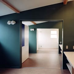 あざみ野の家: (有)中尾英己建築設計事務所が手掛けた壁です。