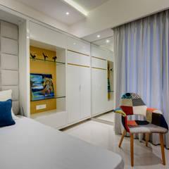 Kid's bedroom:  Nursery/kid's room by Spaceitup