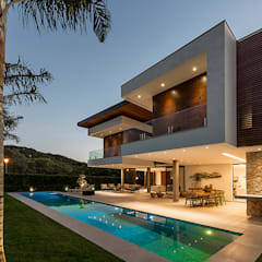 Projekty,  Basen do ogrodu zaprojektowane przez Ruschel Arquitetura e Urbanismo