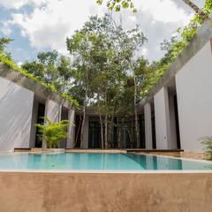 Casa Fortuna: Albercas infinity de estilo  por CO-TA ARQUITECTURA