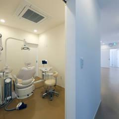 診療室-個室-: atelier mが手掛けた病院です。