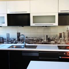 Kitchen Tiles:  Built-in kitchens by UniqueTiles Ltd