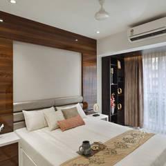 MASTER BEDROOM: minimalistic Bedroom by Ar. Milind Pai