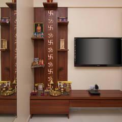 Mr Vinay:  Bedroom by GREEN HAT STUDIO PVT LTD