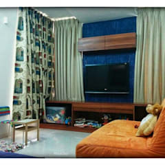 Mr Amit Bhuchar: rustic Nursery/kid's room by GREEN HAT STUDIO PVT LTD