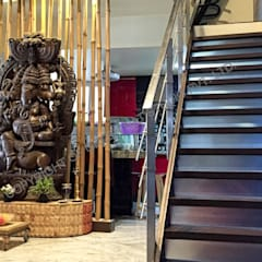 Mr. Siva Rangaswamy:  Corridor & hallway by GREEN HAT STUDIO PVT LTD