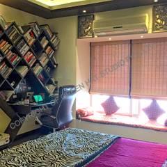 Mr. Siva Rangaswamy: rustic Bedroom by GREEN HAT STUDIO PVT LTD