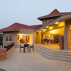 Hakuna Matata:  Terrace by Mahesh Punjabi Associates