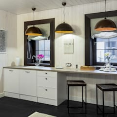 Бунгало  в светлом: Кухни в . Автор – mlynchyk interiors ,