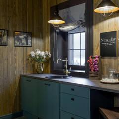 Бунгало в темном: Кухни в . Автор – mlynchyk interiors ,