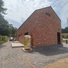 외부 전경(후면): (주)건축&건축사사무소예일의  단층집