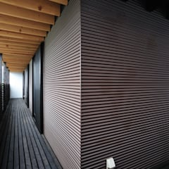 House-Sa: 伊藤憲吾建築設計事務所が手掛けたテラス・ベランダです。