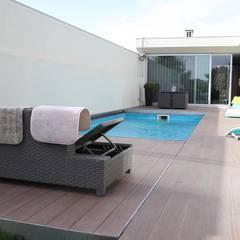 Cobertura Automática especial para piscinas: Piscinas  por PRORUPER - Unipessoal, Lda.