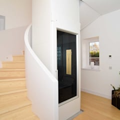 Scarth Craig, Cowie, Stonehaven, Aberdeenshire:  Corridor & hallway by Roundhouse Architecture Ltd, Eclectic Wood Wood effect