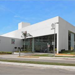 Centro Estatal de Oncología: Hospitales de estilo  por Duarte Aznar Arquitectos