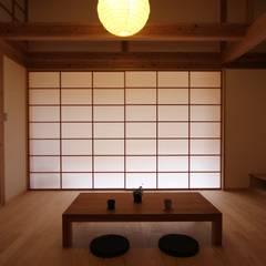 Windows by 株式会社 山弘