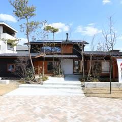 五軒邸モデルハウス: 株式会社 山弘が手掛けた家です。