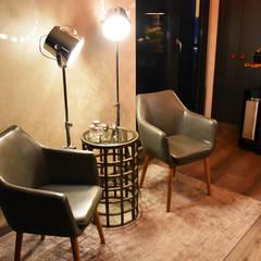 Guter Empfang:  Geschäftsräume & Stores von Pomp & Friends - Interior Designer