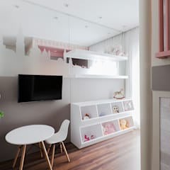 Girls Bedroom by Thiago Mondini Arquitetura