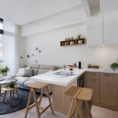 Dining room by 寓子設計, Modern