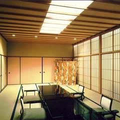 料亭市山: 株式会社 ギルド・デザイン一級建築士事務所が手掛けたバー & クラブです。