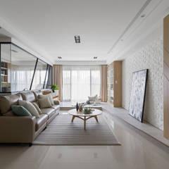 Living room by 存果空間設計有限公司,