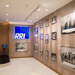 Galery Triprasetya Radio Republik Indonesia: Gedung perkantoran oleh Indra Jatmika Hardi, Minimalis