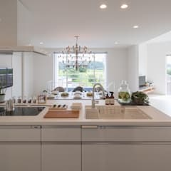 Built-in kitchens by LITTLE NEST WORKS