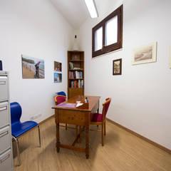 studio: Cliniche in stile  di Giuseppina PIZZO
