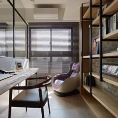 Estudios y oficinas de estilo escandinavo por 築青室內裝修有限公司