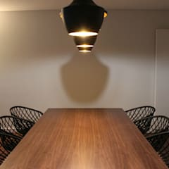 Apartamento Porto Freixo Salas de jantar industriais por NOZ-MOSCADA INTERIORES Industrial