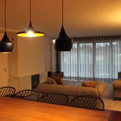 Sala de Estar: Salas de estar  por NOZ-MOSCADA INTERIORES