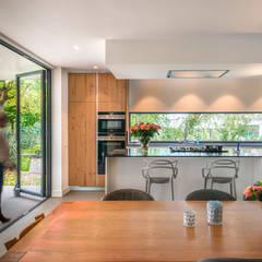 Woonkeuken:  Hotels door Architect2GO