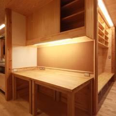 Oficinas de estilo  por 田村建築設計工房
