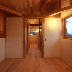 燈の家: 田村建築設計工房が手掛けた子供部屋です。