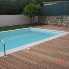 สระว่ายน้ำ โดย Viveiros da Boa Nova, Lda,