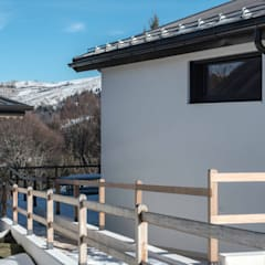 HOLIDAY HOME: Chalet in stile  di Claude Petarlin