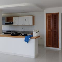 Kitchen by Remodelar Proyectos Integrales