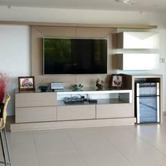 Remodelación de apartamento: Salas multimedia de estilo  por Remodelar Proyectos Integrales, Moderno Aglomerado