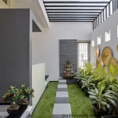 Striking House Landscape Designs: 40×60, 4BHK:  Houses by aaaa