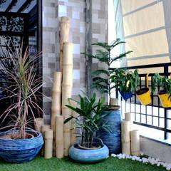 Apartment balcony in Southwest Delhi Modern garden by Grecor Modern