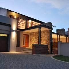 House K:  Houses by ANTONIO DE FRANCA HOME DESIGNS