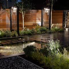 Art Deco Garden:  Garden by Robert Hughes Garden Design
