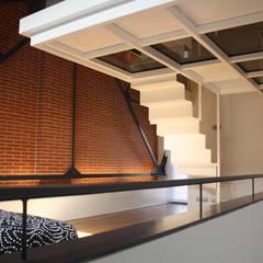 Sucre A4: Dormitorios de estilo  de ESTUDIO DE CREACIÓN JOSEP CANO, S.L.
